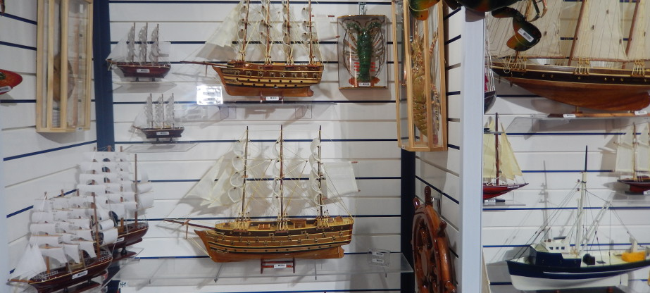 Holiday Souvenires - Beach & Nautical Gifts & Souvenirs
